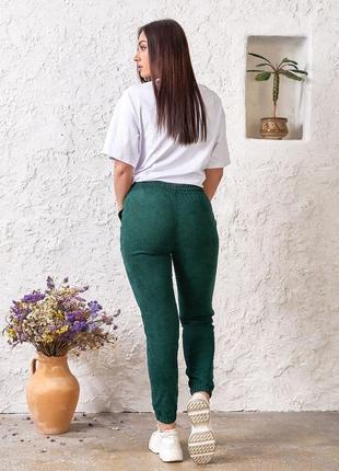 Стильные зеленые джоггеры, вельвет4 фото