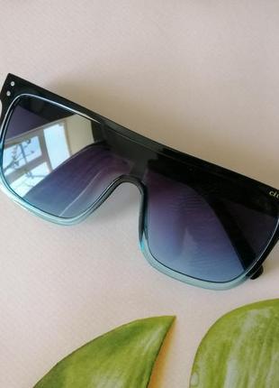 Крутейшие солнцезащитные очки маска 2021 отправка градиент от чёрного к голубому