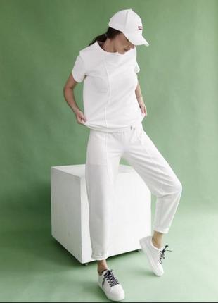 Джогеры, белые спортивные штаны