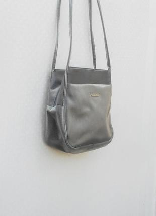 Молодежная серая сумка шоппер через плечо с длинными ручками
