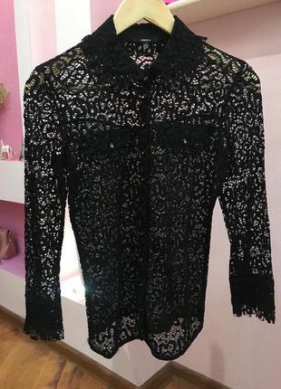 Черная гипюровая дизайнерская блузка