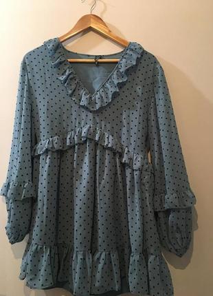 Нежно-голубое платье в горошек zara