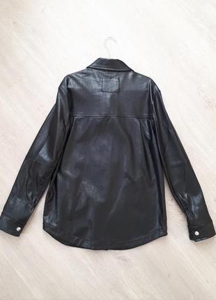 Трендовая кожаная рубашка bershka7 фото