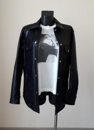 Трендовая кожаная рубашка bershka8 фото