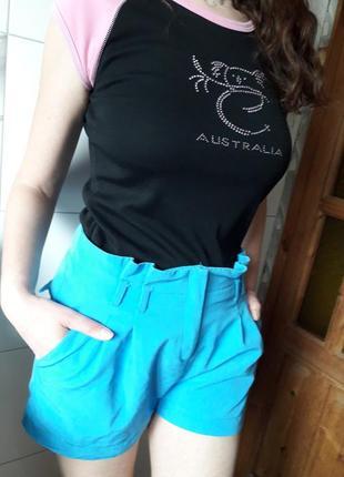 Стильные шорты мом а-силуэта с защипами высокая посадка kira plastinina