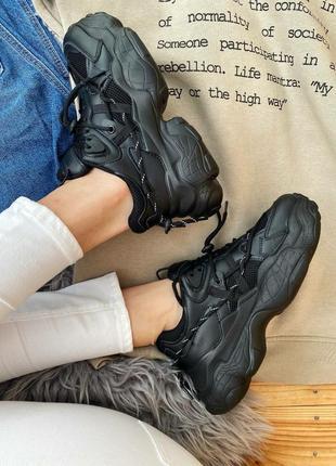 Женские кроссовки на массивной подошве10 фото