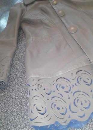 Натуральное кожаное пальто ооочень стильное