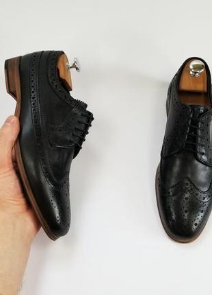 Шкіряні туфлі броги