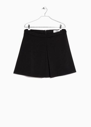 Черная мини-юбка mango