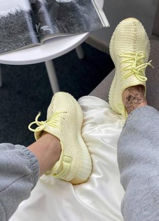 Женские жёлтые кроссовки adidas