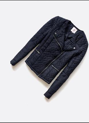 Куртка, утеплена синтепоном
