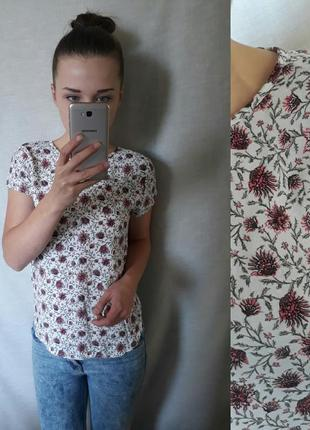 Красивая блузка в цветы