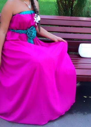 Красивое нарядное платье, сарафан в идеальном состоянии р.44