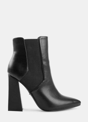 Чёрные ботинки deezee no complexes
