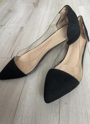 Туфлі з гострим носком bellamica