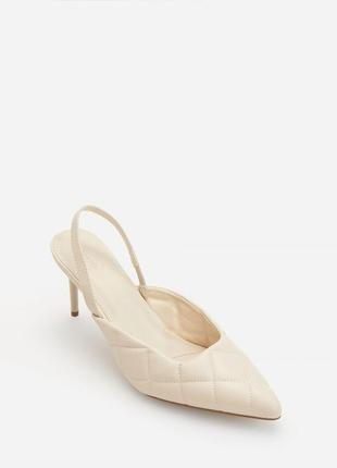Туфли на шпильках с открытой пяткой