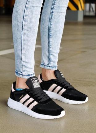 Легкие женские кроссовки адидас