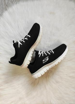Черные тканевые текстильные кроссовки кеды белой подошвой skechers memory foam