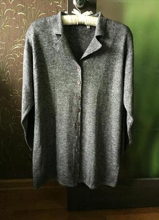 Красивый кардиган серый меланж в составе шерсть
