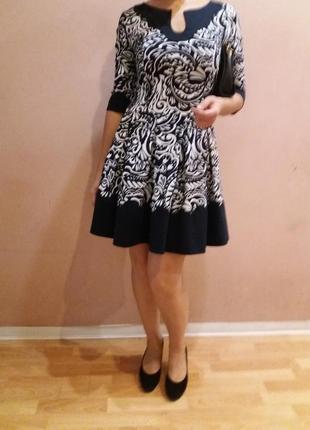 Красивое игривое платье! irena richi