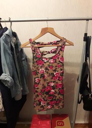 Короткое платье в цветы