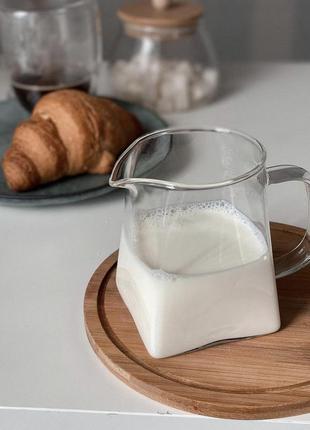 Молочник скляний