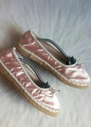 Розовые атласные блестящие мокасины балетки эспадрильи на плетеной подошве туфли