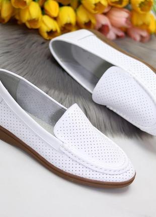 Белые женские мокасины лоферы туфли тапочки кожаные сквозная перфорация5 фото