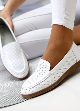 Белые женские мокасины лоферы туфли тапочки кожаные сквозная перфорация6 фото