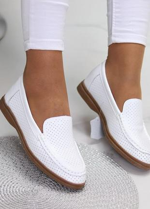 Белые женские мокасины лоферы туфли тапочки кожаные сквозная перфорация3 фото