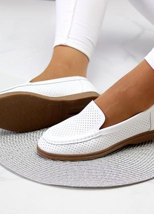 Белые женские мокасины лоферы туфли тапочки кожаные сквозная перфорация7 фото