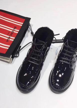 Ботиночки женские лаковые