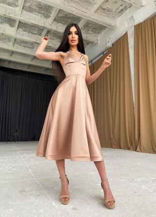 Платье-миди с корсетным верхом