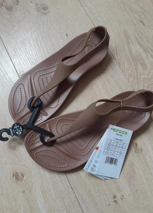 Босоножки, вьетнамки, шлепки crocs sexi flip  w6 36/37 крокс оригинал