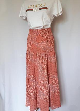 Пудровая ярусная юбка макси в мелкий цветочный принт coop(размер 38-40)