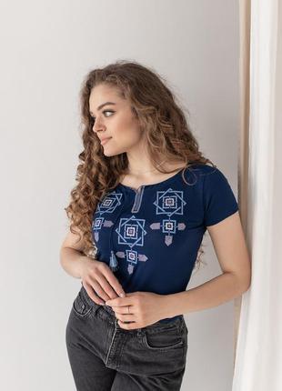 Женская футболка с вышивкой оберег4 фото