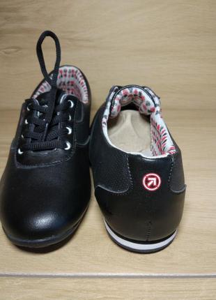 Распродажа! мягкие спортивные туфли.р.39 (38-37) маломерят на 1-2 размера.