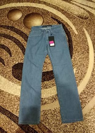 Лёгкие мужские джинсы