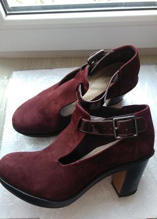 Элегантные ботинки clarks