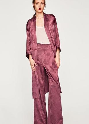 Атласные брюки палаццо с высокой талией р. м zara жаккард бордово-фиолетовый2 фото