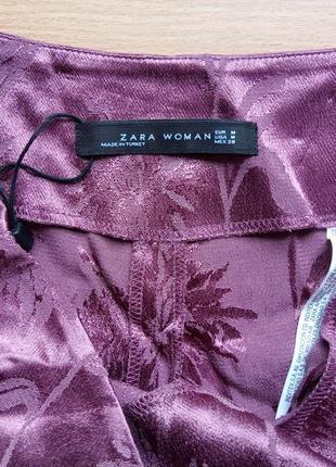 Атласные брюки палаццо с высокой талией р. м zara жаккард бордово-фиолетовый6 фото