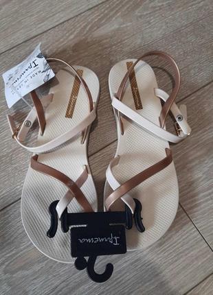 Женские сандалии  ipanema 82842-20352
