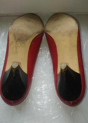 Красные женские туфли bandolino. италия2 фото