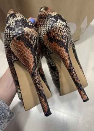 Туфли bershka с открытым носком7 фото