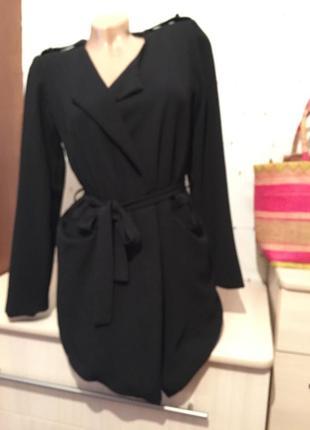 Стильный легкий чёрный  пиджак под пояс1 фото