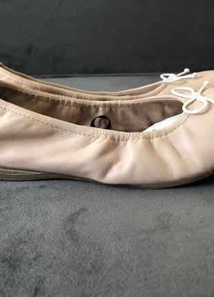 Кожаные нюдовый базовые балетки мокасины tamaris 38 24см6 фото