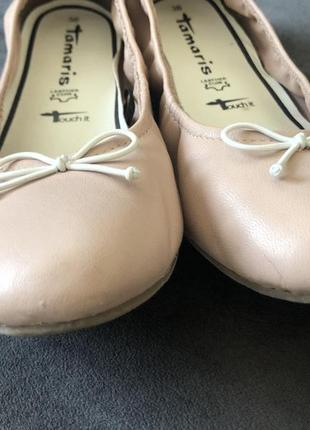 Кожаные нюдовый базовые балетки мокасины tamaris 38 24см7 фото