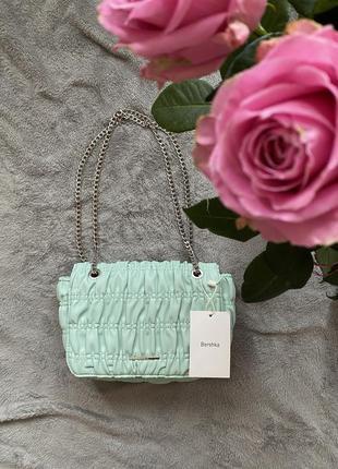 Ніжна сумочка bershka! оригінальна модель!1 фото