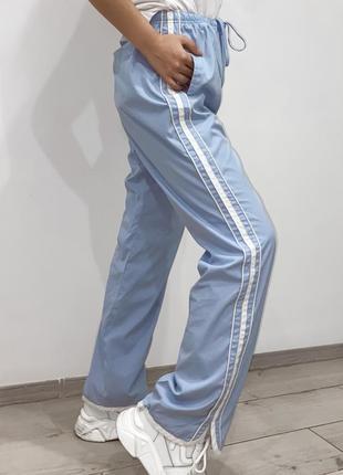 Штаны спортивные с лампасами голубые женские5 фото