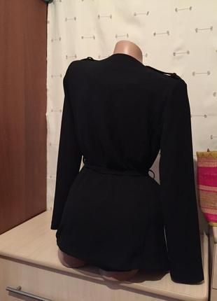 Стильный легкий чёрный  пиджак под пояс3 фото